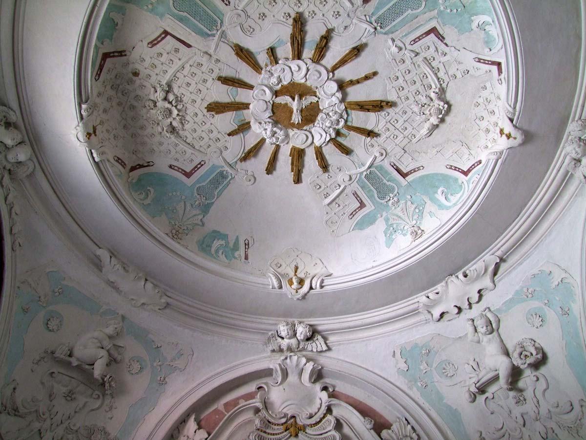 Cappella Gentilizia - particolare stucchi