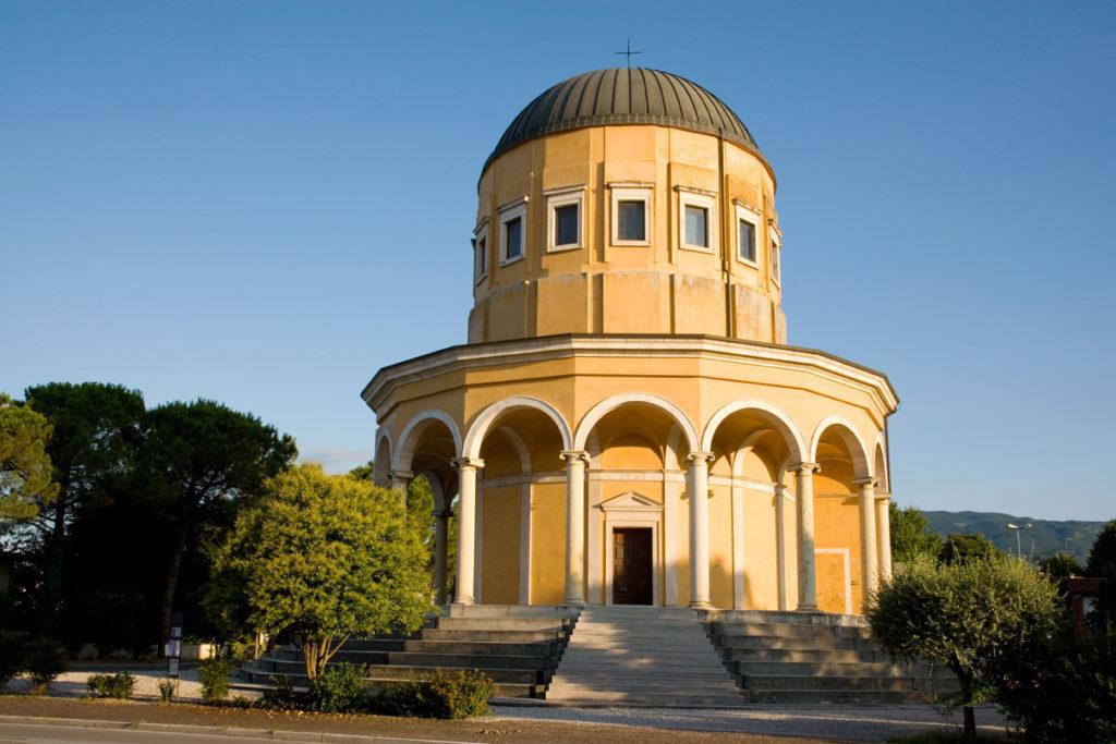 Churches in Sacile: San Liberale Church - external view