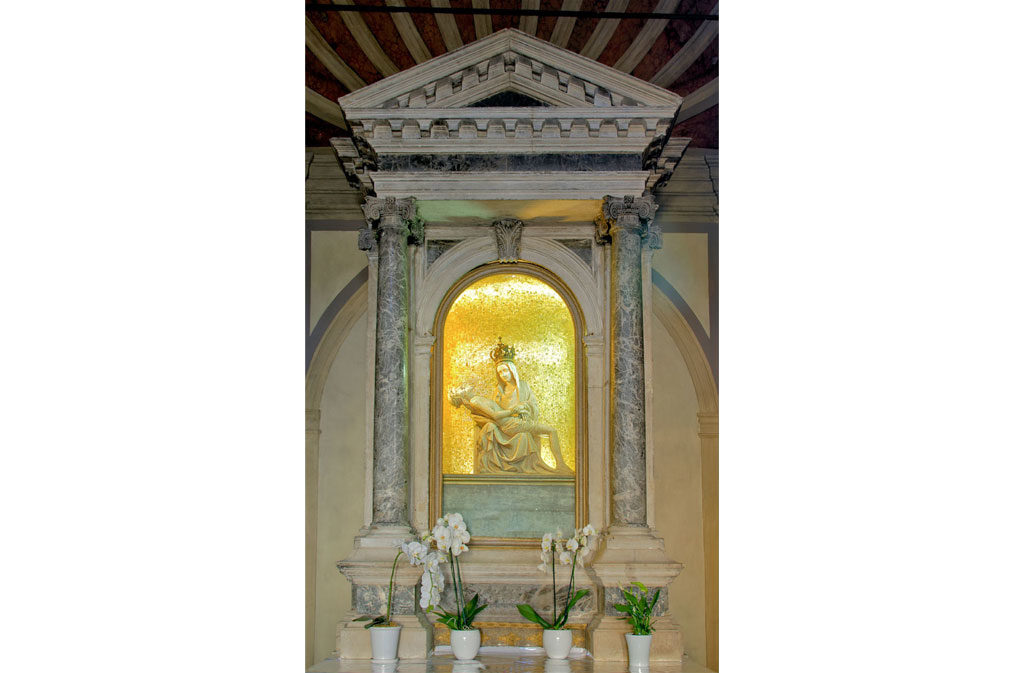 She asked Sacile: Pietà's church - apse