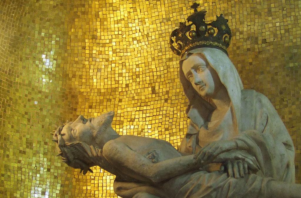 She asked in Sacile: Pietà della Pietà - pietà detail