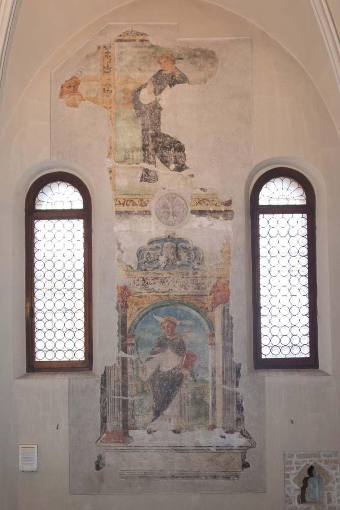 Chiese a Sacile: Duomo San Nicolò - navate laterali - Affreschi di San Pietro Martire