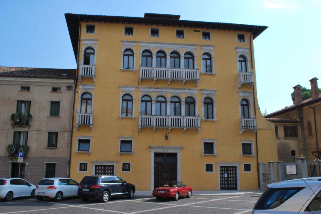 Cosa vedere a Sacile: Palazzo Carli - facciata