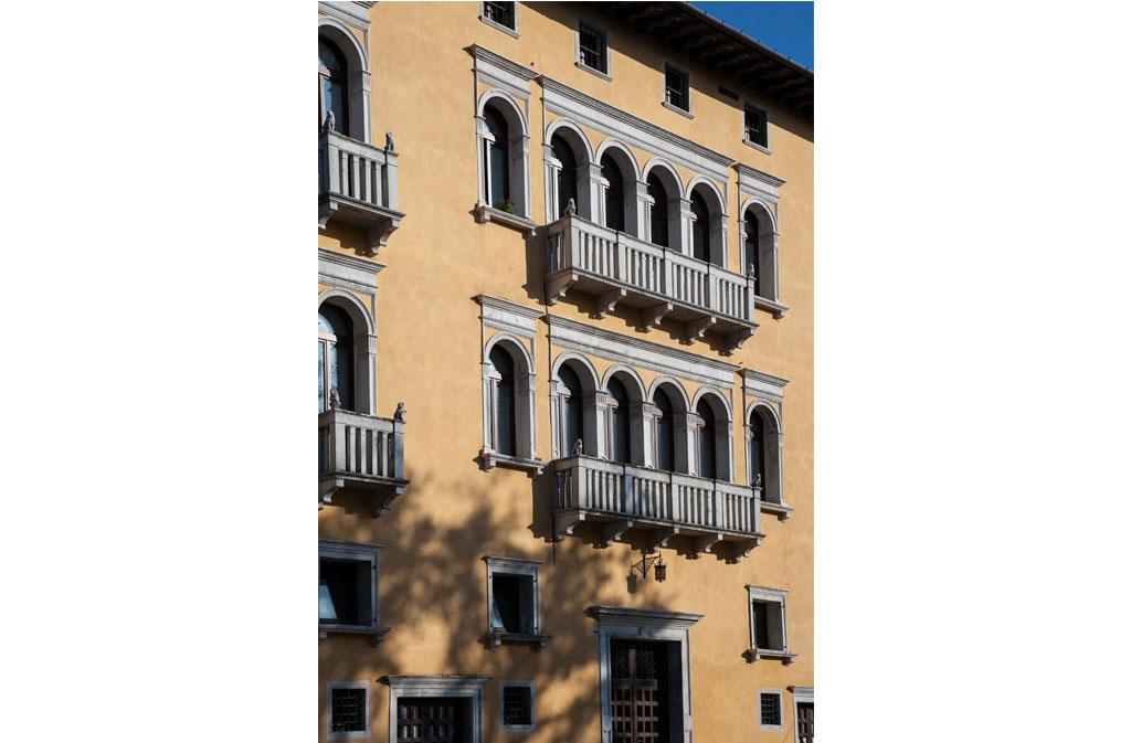 Cosa vedere a Sacile: Palazzo Carli - particolare facciata