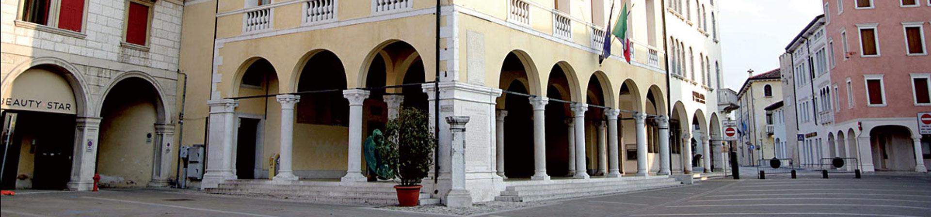 Cosa vedere a Sacile: Palazzo Comunale - esterno
