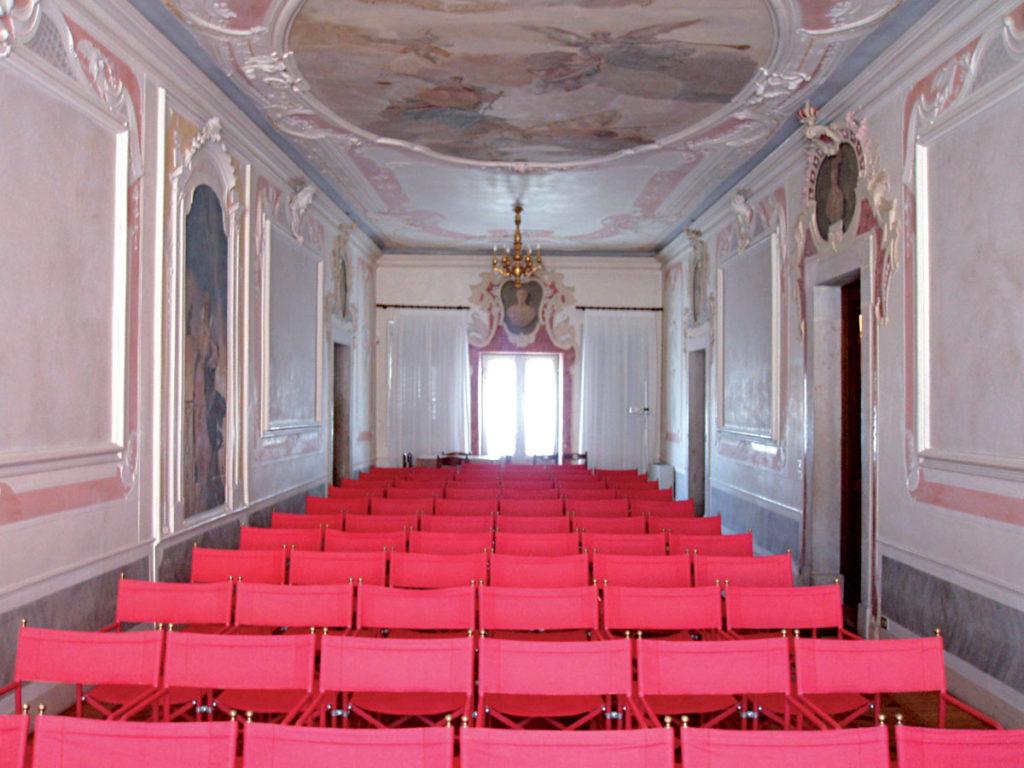 Cosa vedere a Sacile: Palazzo Ovio Gobbi - sala interna