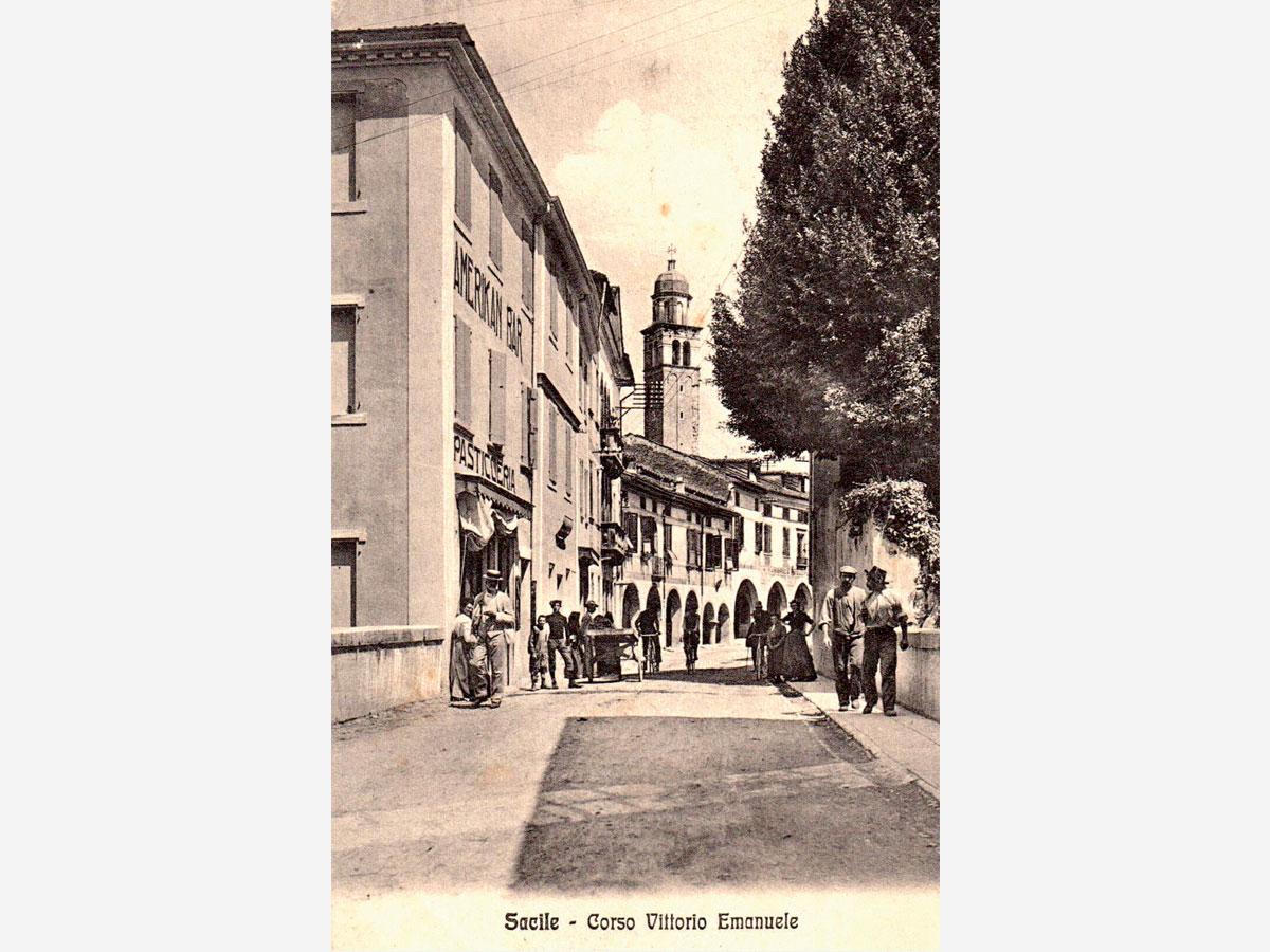 Storia di Sacile: cartolina Corso Vittorio Emanuele