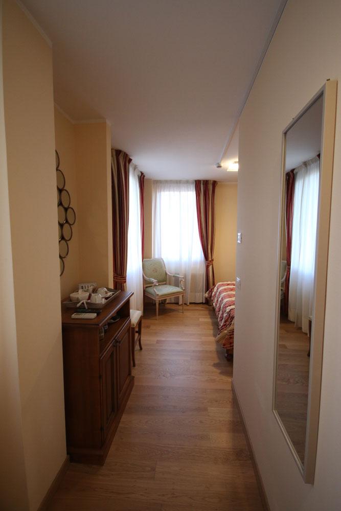 Dove dormire a Sacile: Hotel Italia - entrata camera