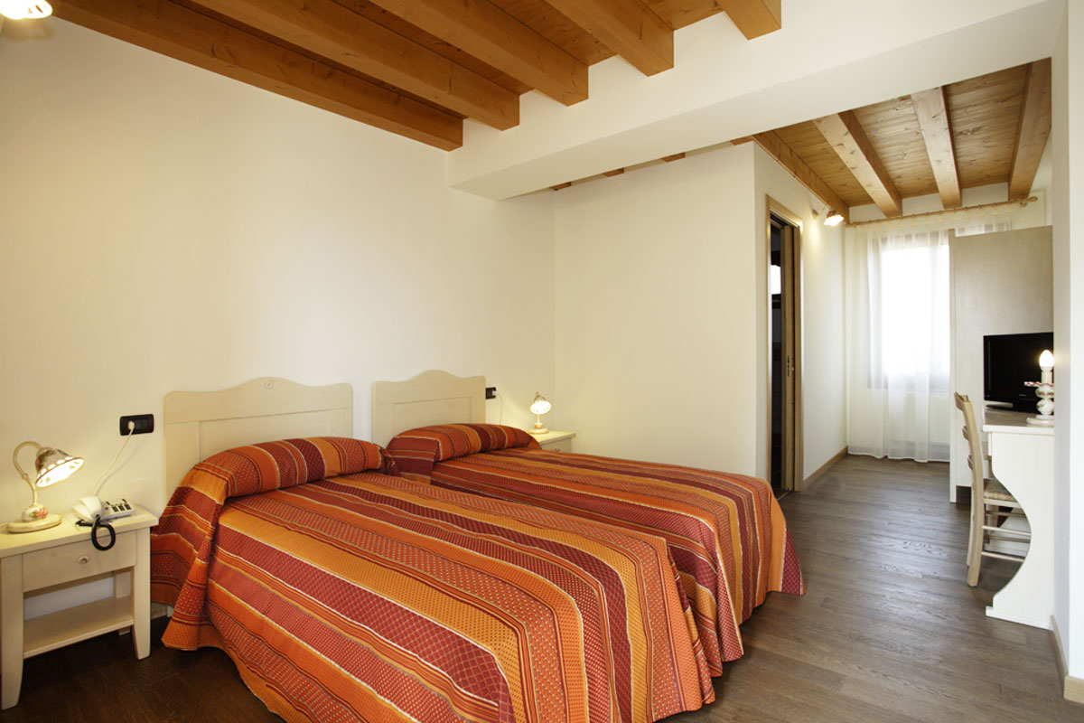 Dove dormire a Sacile: agriturismo La Favola - camera doppia 1