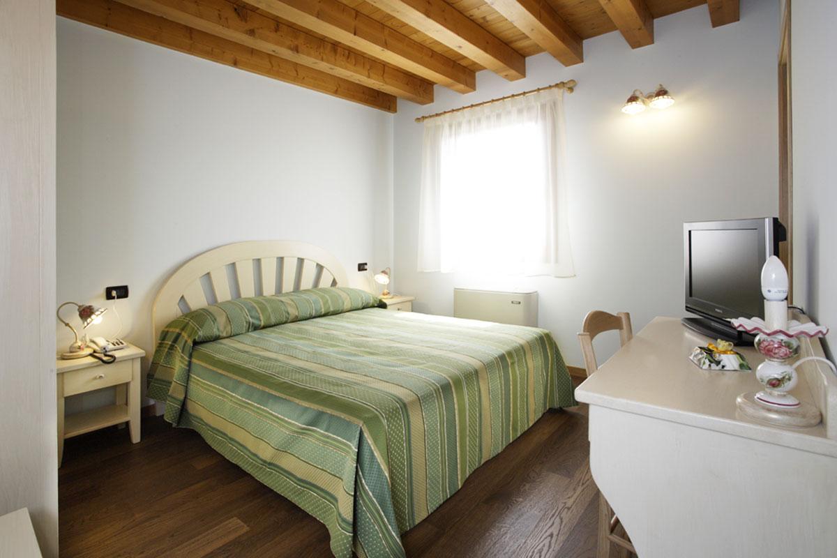 Dove dormire a Sacile: agriturismo La Favola - camera doppia 2