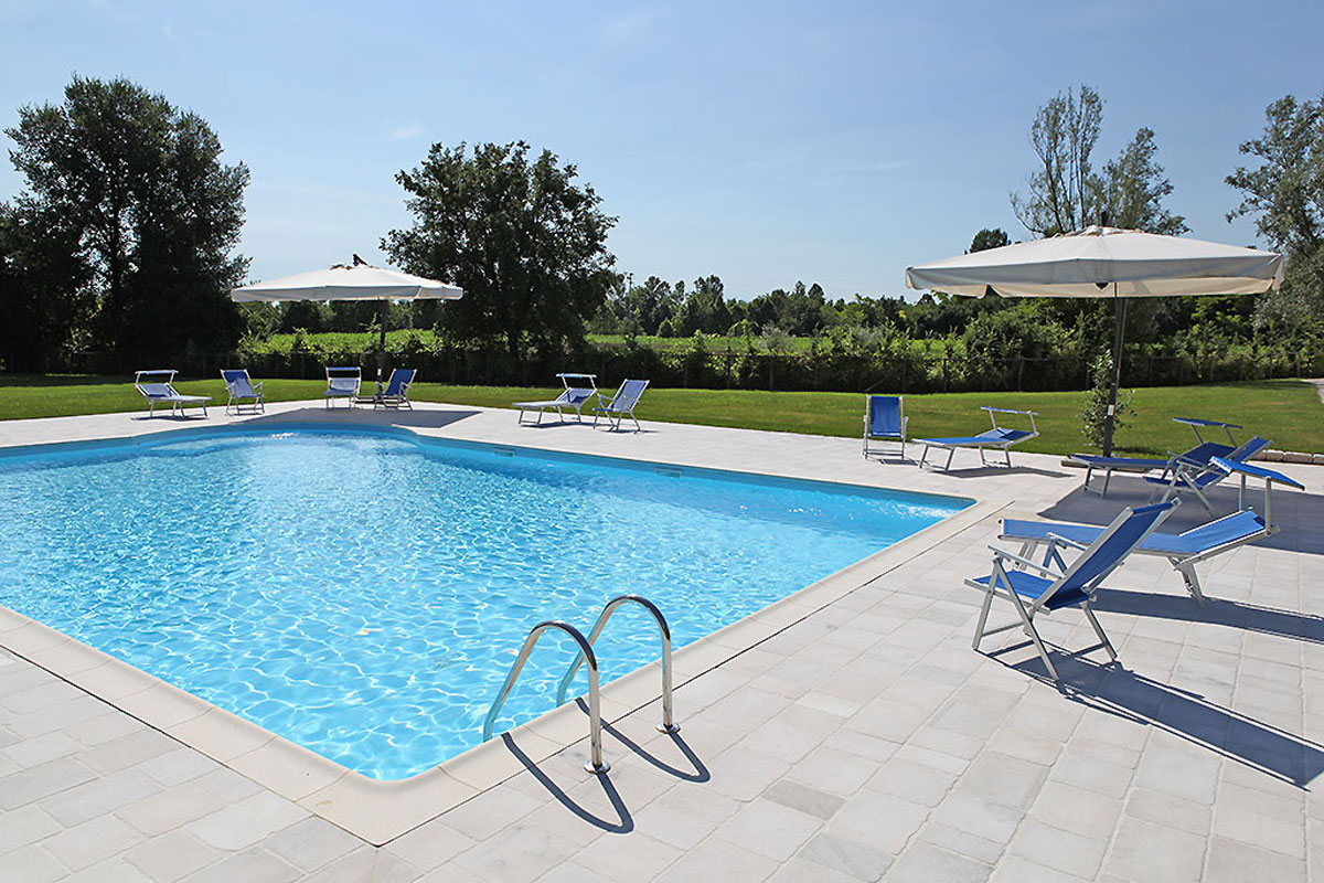 Dove dormire a Sacile: agriturismo La Favola - piscina